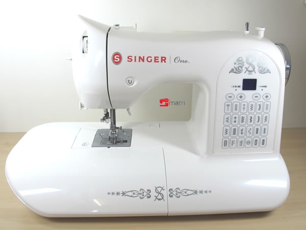 singer one electronic sewing machine a heavy duty metal frame matri sewingmachines. Black Bedroom Furniture Sets. Home Design Ideas